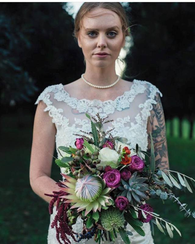Rhiannon and her bouquet, Wilde Visual Photography