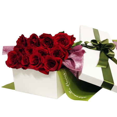 Twelve Long Stemmed Red Roses in an Elegant Rose Box